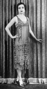 1920s-and-art-deco-style-L-0rkhHa