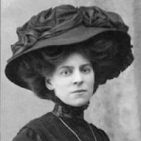 Edwardian hair with hat