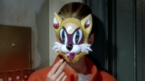 Breakfast-at-Tiffanys_Audrey-Hepburn-cat-mask-CU_cap-001