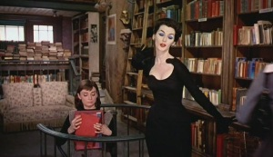 Funny-Face-bookshop model 50s black dress