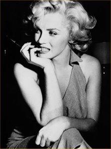 Marilyn_Monroe_Biography_2
