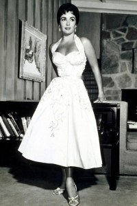 Elizabeth-Taylor-halter-neck-dress