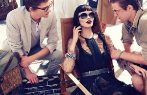 Ranya-Mordanova-Janice-Seinen-Alida-by-Phil-Poynter-Desert-Jazz-Vogue-Turkey-March-2012-4-700x456